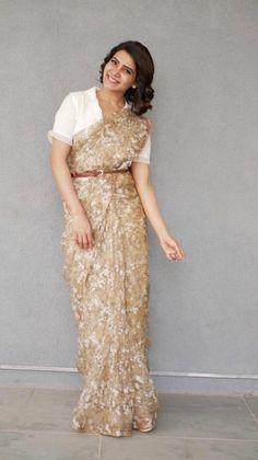 How to wear a saree without showing my stomach - Quora Saree Models, Blouse Models, Saree Draping Styles, Saree Styles, Indian Dresses, Indian Outfits, Indische Sarees, Designer Sarees Wedding, Sari Blouse Designs