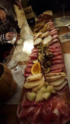 La Prosciutteria, Firenze - #FOODIES #foodporn #tagliere #salumi #formaggi #Toscana