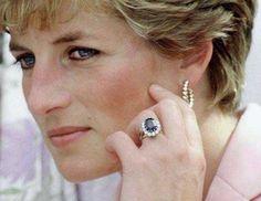 Princess Diana wearing her ring.