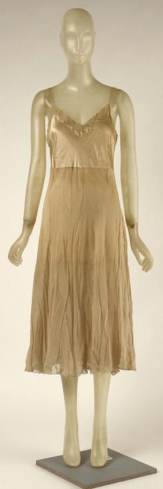 Cocktail dress Madeleine Vionnet (French, Chilleurs-aux-Bois 1876–1975 Paris) Date: early 1920s Culture: French Medium: silk, metallic thread net