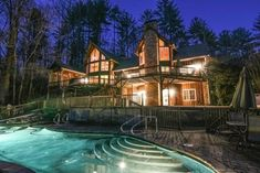 Luxurious Hideaway in the Cool Appalachians. NEED TO GET AWAY FROM IT ALL? Celebrate an anniversary or wedding? Huntcliff can accommodate up to 10 guest...