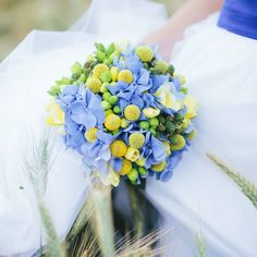 Fresh summer wedding bouquet full of colours. Be inspired by @theinspirassion