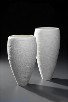 Gestures in Thread, 2003, slipcast Southern Ice porcelain, ht 38 x 17 cm