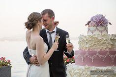 Romantic Wedding Cake - Wedding on Lake Maggiore - Italy | #michelarezzonico #weddingphotographer #guastinistyle #weddingplanner #weddingcake