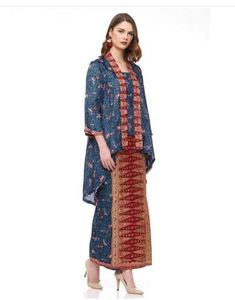 Batik💓 Kebaya Lace, Batik Kebaya, Kebaya Dress, Batik Dress, Kebaya Hijab, Kebaya Brokat, Batik Fashion, Abaya Fashion, Muslim Fashion