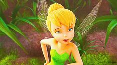 Animated gifs, taken from one of my most fave Disney movie, Secret of the Wings. Presenting Tinker Bell and her friends at Pixie Hollow as they are preparing for the final season of the year, which is winter. Tinkerbell Characters, Tinkerbell And Friends, Tinkerbell Disney, Disney Cartoon Characters, Disney Fairies, Disney Cartoons, Secret Of The Wings, Pixie Hollow, Vs The World