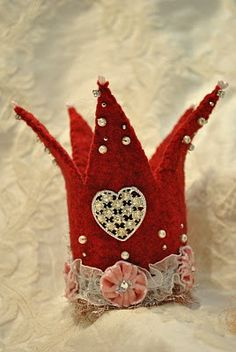 wool felt crown...I love the design but would use similar tones throughout