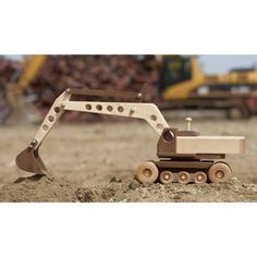 Construction-Grade Excavator Woodworking Plan from WOOD Magazine