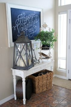 Entryway idea I'd I use drop side table. Plant & big basket.
