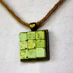 green square pendant necklace  Read more: http://thefrugalgirls.com/2012/07/diy-bead-pendant-necklaces.html#ixzz20UozaYDi