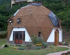Kwickset Konstruction Kits Dome Homes, Dome Home Plans and Photos Mehr Monolithic Dome Homes, Geodesic Dome Homes, Eco Buildings, Unique Buildings, Dome Home Kits, Hotel Floor Plan, Dome Structure, Off Grid House, Earthship Home