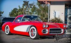 Will i AM's customized red 1959 Corvette - pimped out by the guys at West Coast Customs Audi, Porsche, Bmw, Bugatti, Jaguar, Vintage Cars, Antique Cars, Vintage Iron, Chevrolet Corvette
