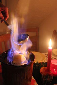 Feuerzangenbowle für besondere Anlässe in der Weihnachtszeit. Das heiße Getränk wärmt von Innen.
