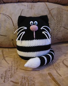 Ravelry: ovalkun's Ginger and Smudge Beginner Knitting Patterns, Knitting Machine Patterns, Sewing Machine Quilting, Knitting Projects, Crochet Projects, Sewing Projects, Crochet Shoes Pattern, Crochet Animal Patterns, Stuffed Animal Patterns
