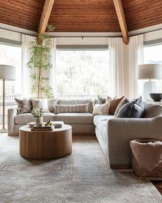 Living Room Sectional, Home Living Room, Living Room Designs, Living Room Decor, Family Room With Sectional, Casual Living Rooms, Transitional Living Rooms, Casual Family Rooms, Modern Living