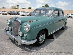 would take this in any color Mercedes Benz 220, Old Mercedes, Classic Mercedes, Mercedez Benz, Maybach, New And Used Cars, Dream Garage, Old Cars, Motor Car