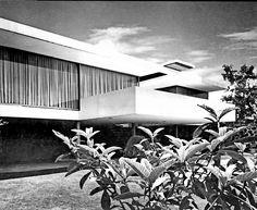 Casa Camargo 1959 Paseo del Pedregal 1027, Jardines del Pedregal. México, D.F. Arq. José María Buendía