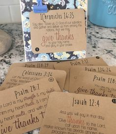 Thankful Scripture Cards :: FREE Printable.  Perfect for your Thanksgiving table or around your house!