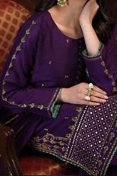 Pakistani Fashion Party Wear, Pakistani Formal Dresses, Pakistani Bridal Wear, Pakistani Dress Design, Pakistani Outfits, Indian Fashion, Punk Fashion, Indian Dresses, Fancy Dress Design
