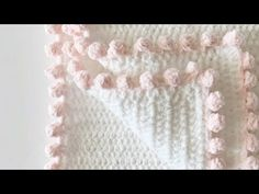 Crochet tutorial for the dot border edge on a crochet blanket. I used this border for a Crochet Polka Dot Heart Doll Blanket, see the full pattern here: http.I had so much fun designing my annual heart blanket, especially when I realized my daughter- Crochet Blanket Border, Crochet Boarders, Crochet Edging Patterns, Crochet Afghans, Knit Or Crochet, Crochet Crafts, Crochet Projects, Knitting Patterns, Crochet Edgings