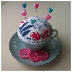 Teacup pincushion by Michaela // Miss Chaela Boo   Project   Sewing / Accessories   Kollabora #diy #kollabora #home_decor