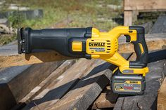 The new DeWalt FlexVolt Max Reciprocating Saw features a brushless motor and 60 volts of power to push through demolition jobs faster. Best Hand Tools, Power Hand Tools, Lumber Storage, Tool Storage, Dewalt Power Tools, Cordless Drill Reviews, Cordless Reciprocating Saw, Tool Board, Tools Hardware