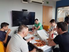 A common ground: pizza