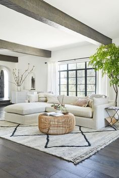 Living Room Inspo, Boho Living Room, Home Decor Styles, Home And Living, Living Room Designs, Living Decor, Home Decor, House Interior, Apartment Decor