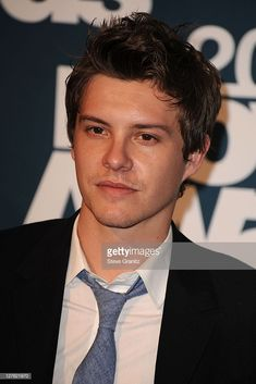 Actor Xavier Samuel poses in the press room during the 2011 MTV Movie Awards at Universal Studios' Gibson Amphitheatre on June 2011 in Universal City, California. Universal City, Universal Studios, Xavier Samuel, Perfect Movie, Mtv Movie Awards, Vide, Studio S, Hollywood Actor, Rowan