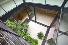 Courtyard (12'9)