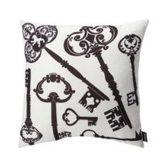 Cute accent pillow.