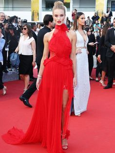 Rosie Huntington-Whiteley attends the 'The Unkown Girl (La Fille Inconnue)' premiere during the annual Cannes Film Festival at the Palais des Festivals on May 2016 in Cannes, France. Rosie Huntington Whiteley, Rosie Whiteley, Rose Huntington, Elegant Dresses, Sexy Dresses, Nice Dresses, Claudia Schiffer, Irina Shayk, Top Models