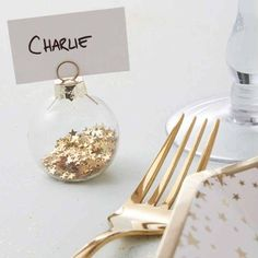 Dress your table in style with these chic glass Gold Star Christmas Bauble Place Card Holders. They make a beautiful addition to a golden Christmas table setting. Pack of 6 Scandinavian Christmas Decorations, Christmas Decorations For The Home, Star Decorations, Ceremony Decorations, Christmas Place Cards, Gold Christmas, Christmas Baubles, Christmas Wedding Favours, Christmas Place Setting