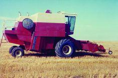 East Moline, John Deere Combine, Combine Harvester, Under Lock And Key, International Harvester, Gmc Trucks, Ih, Agriculture, Farming