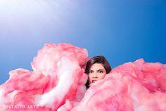 Camila Valdez, artista argentina que humaniza cupcakes y otras delicatessen.