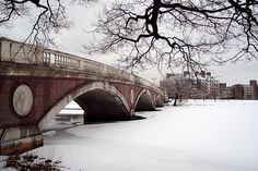 Anderson Footbridge over the Charles River in winter, Cambridge, Massachuetts