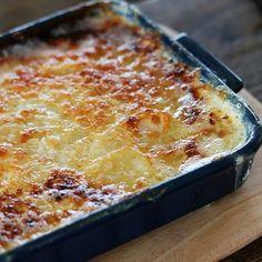 フランス風おもてなし料理。 第三回、じゃがいもを使った、 シンプルだけど味わい深いノルマンディー風グラタン です。
