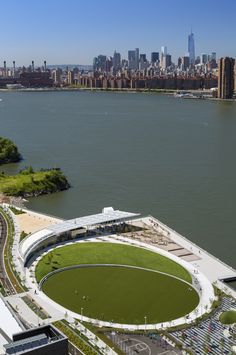 Hunter's Point South Waterfront Park by Thomas Balsley Associates Associates and Weiss/Manfredi