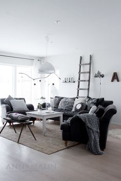 Anna Malin , love the ladder for blankets
