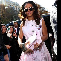 Rihanna  Dior  sideral  oticaswanny Óculos De Sol Dior, Oculos De Sol 5eab2a8fdc