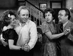 Rue_McClanahan_Carroll_O'Connor_Jean_Stapleton_Vincent_Gardenia_All_In_the_Family_1972.JPG 944×730 pixels