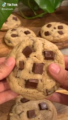 Fun Desserts, Delicious Desserts, Dessert Recipes, Yummy Food, Fun Baking Recipes, Cookie Recipes, Easy Snacks, Chocolate Chip Cookies, Food To Make