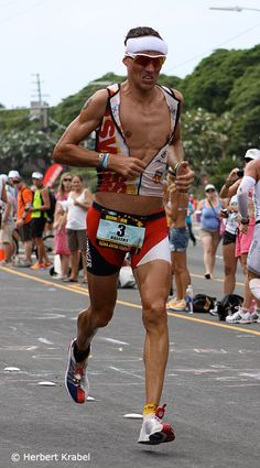 Andreas Raelert - Ironman 2:44:25 marathon!