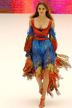 Alexander McQueen Spring 2003 Ready-to-Wear Fashion Show - Roos van Bosstraeten, Alexander McQueen