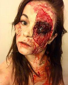 👑🎃☠️❤️#halloween #nottingham #makeup #makeupartist #fxmakeup #sfxmakeup #zombiemakeup #zombie #blood #polishgirl #devil #artist #halloweenmakeup