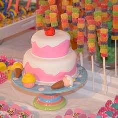 Lara's Candy Shoppe - Candy Shoppe