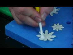 Learn the Art of Cake Decorating with the Paul Bradford Sugarcraft School - YouTube