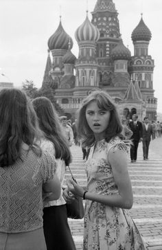 This was the year I went to Russia/USSR Vintage Photographs, Vintage Photos, Back In The Ussr, Soviet Art, Moscow Russia, Historical Photos, Black And White Photography, Old Photos, Street Photography