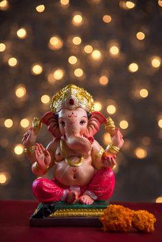 Shri Ganesh Images, Ganesh Chaturthi Images, Ganesha Pictures, Ganesh Lord, Sri Ganesh, Ganesh Wallpaper, Wallpaper Doodle, Ganpati Bappa Wallpapers, Lord Murugan Wallpapers