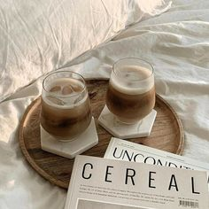Cream Aesthetic, Aesthetic Coffee, Brown Aesthetic, Aesthetic Food, Coffee Cafe, Iced Coffee, Coffee Shop, Cafe Rico, Coffee Photography